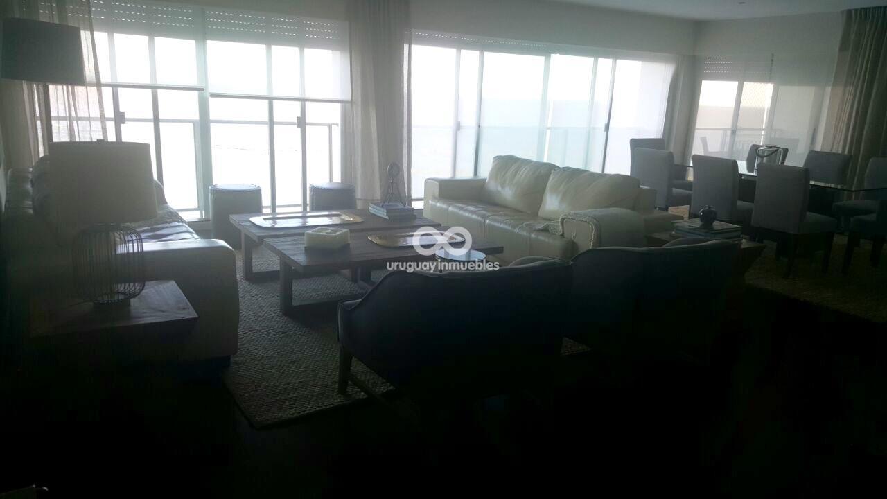 Espectacular Apartamento en Rambla de Punta Carretas