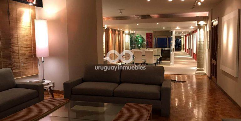 Apartamento con Muebles en Zona Pocitos - Uruguay Inmuebles (1)
